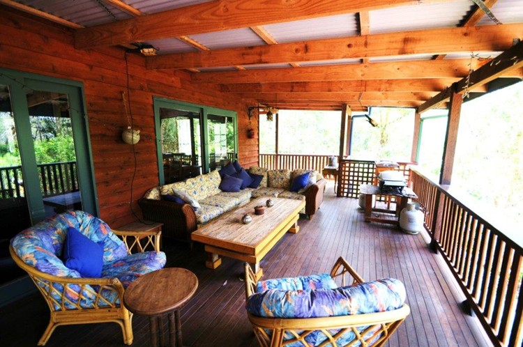Huge verandah at Sanctuary Bush to Beach House. A pet friendly accommodation beach house with dog friendly beaches for your holiday at Nambucca Heads near Valla Beach, Mid North Coast NSW